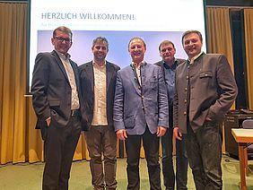 v.l.n.r.: Hans Wieser, Matthias Hinterberger, Ferdinand Laimer, BGM Josef Weikinger und BGM Franz Eisl